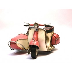 Side-car Vespa rose en fer peint