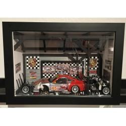 "Tableau vitrine  "" L'Atelier Porsche Silver 911 997 GT3 "" - format small"