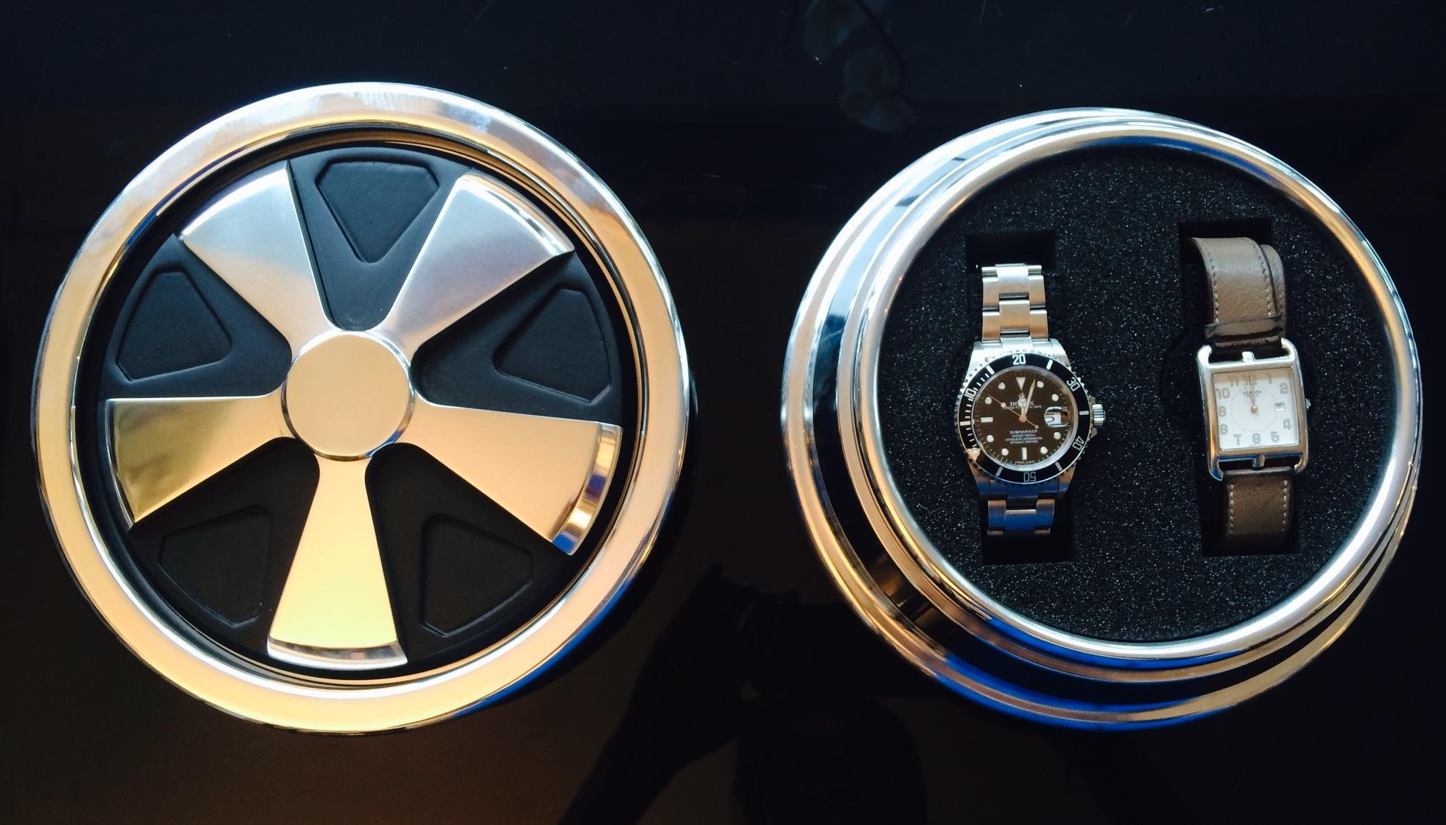 Ecrin à montres reproduction d'une jante Fuchs  Porsche
